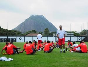 Técnico do Inter, Jorge Fossati, comandou treino em General Severiano, no Rio de Janeiro