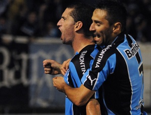 Fábio Rochemback quer garantir permanência no meio campo titular do Grêmio com boas atuações