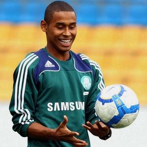Com a ida de Armero para seleção colombiana, Gabriel Silva assumiu a lateral palmeirense
