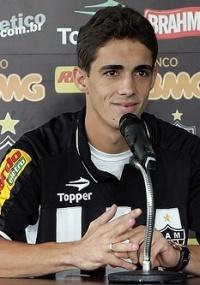 Neto Berola diz treinos deixaram Atlético-MG mais veloz