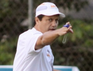 Adilson Batista comandará a equipe celeste pela última vez diante do Atlético-GO, em Goiânia