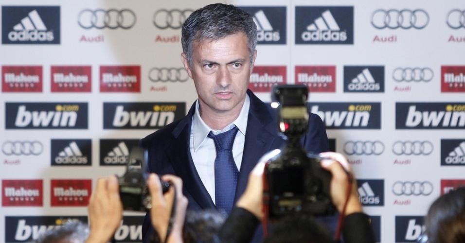 José Mourinho é apresentado oficialmente no Real Madrid, após deixar a Inter de Milão