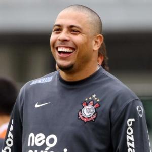 Em fase final de recuperação de lesão na panturrilha, Ronaldo não sabe se pega o Ceará