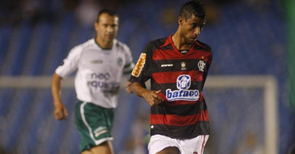 Léo Moura, lateral do Flamengo, na derrota para o Goiás