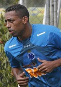 Robert admite ansiedade pela possibilidade de estrear no Cruzeiro