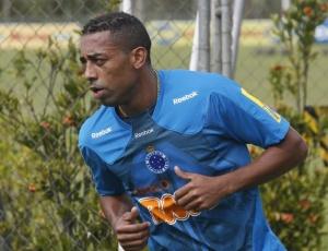 Robert diz que Cruzeiro com três atacantes se torna um time muito rápido