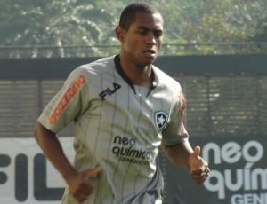 Atacante Jobson deve ser titular na partida desta quinta-feira, contra o Palmeiras, no Pacaembu