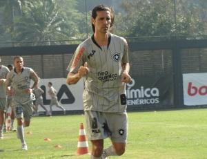 Volante Leandro Guerreiro é um dos jogadores mais identificados com a torcida alvinegra