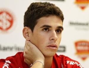 Contratado há um mês, Oscar aparece pela primeira vez na lista de relacionados do Inter