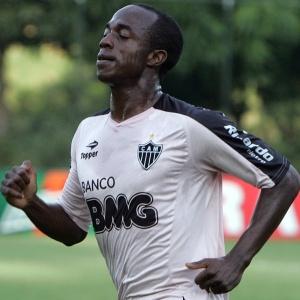 Zé Luís alerta que o Brasileirão se aproxima da metade e o Atlético não consegue reagir