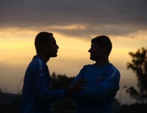 William (d) já foi embora, agora Rafael Marques (e) também pode deixar o Grêmio ao final do contrato