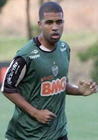 Leandro, que se recuperou de contusão, substituirá jovem Eron