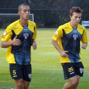 Miranda e Dagoberto correm no CT da Barra Funda; os dois devem seguir como titulares do S. Paulo
