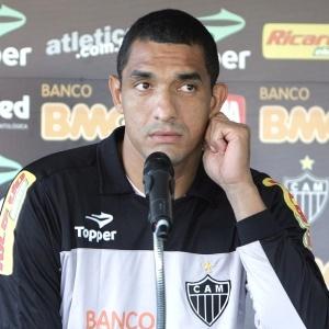 Criticado na derrota para o Internacional, por falhar, Fábio Costa destacou-se no empate com o Avaí