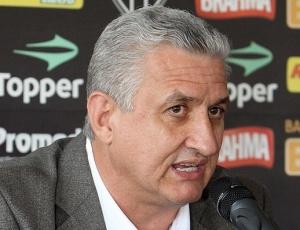 Eduardo Maluf revelou que foi procurado por jogadores interessados em jogar no Atlético
