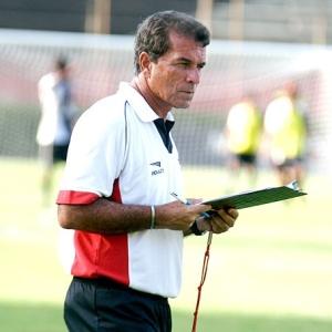 Ricardo Silva voltou ao Vitória como auxiliar técnico e está no comando da equipe baiana interinamente