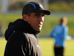 Silas poderá utilizar todos os jogadores no jogo contra o Nacional-URU, neste domingo, em Rivera
