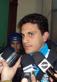 De olho na Itália, Fábio Santos diz que mantém foco no Grêmio