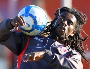 Tinga participou de 60 minutos do jogo-treino contra o Cerâmica e foi destaque pela boa movimentação