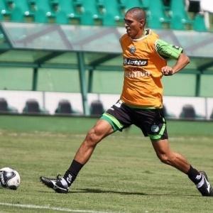 Meia-atacante Ramon pode ser improvisado como volante, diante do Vasco, pelo Troneio da Hora