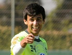 Meia Camacho é só alegria com as oportunidades dadas pelo treinador Rogério Lourenço no Fla