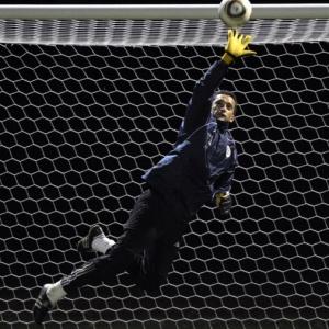 Bobadilla, que participou com o Paraguai nas Copas de 2006 e 2010, reforça o gol corintiano