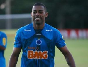 Robert, que entrou no segundo tempo, marcou o segundo gol da vitória sobre o Atlético-PR por 2 a 0