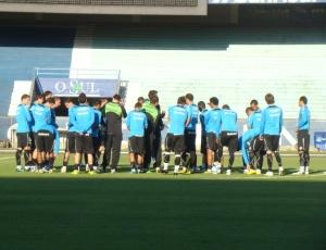 Grêmio treina no gramado principal do Olímpico visando amistoso contra o Juventude, no sábado