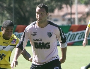 Meia-atacante Daniel Carvalho espera ter condições de jogo para estrear contra o Inter, seu ex-clube