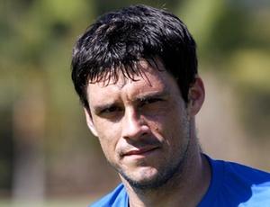Por causa de desconforto na coxa direita, volante Fabrício é poupado de treinamento no Cruzeiro