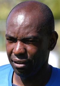 Cláudio Caçapa tinha contrato com o Cruzeiro até 31 de julho