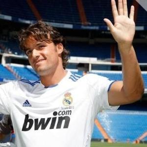 Pedro León, ex-jogador do Getafe, é apresentado como novo reforço espanhol do Real Madrid