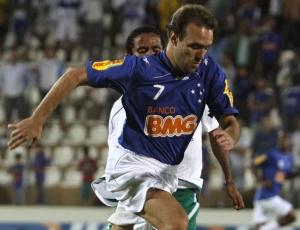 Titular desde a chegada de Cuca ao Cruzeiro, Roger sofreu estiramento muscular na coxa direita