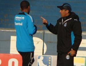 Borges: Silas é um treinador que conversa com o jogador e ninguém disse que se perder ele sairá