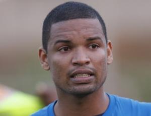 Wellington, que substitui Gil neste domingo, crê que Grêmio vai encarar a partida como o jogo da vida