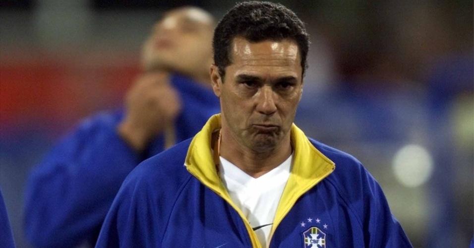 Luxemburgo após eliminação da seleção contra Camarões, em 2000