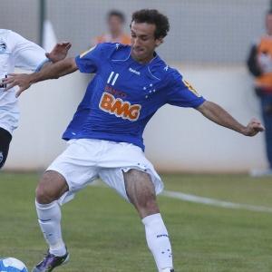 Thiago Ribeiro diz que time celeste terá de superar as dificuldades com o gramado da Arena do Jacaré