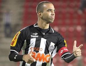 Diego Tardelli considera importante a vitória no clássico para Atlético reagir no Brasileiro