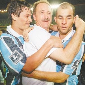 Adilson, hoje no Corinthians, foi estagiário do palmeirense Felipão no Cruzeiro, em 2001