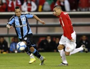 Desde julho de 2008 no Grêmio, Souza assumiu lado torcedor e prometeu secar o Inter na decisão