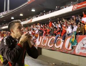 Inter de D'Alessandro chega na final contra Chivas e faz segundo jogo da decisão em casa, dia 18