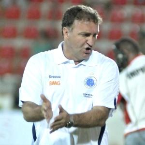 Dirigente disse que Cuca informou à diretoria do Cruzeiro que fora procurado pelo São Paulo