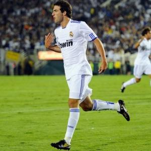 Argentino Gonzalo Higuaín comemora após marcar para o Real Madrid contra o Los Angeles Galaxy