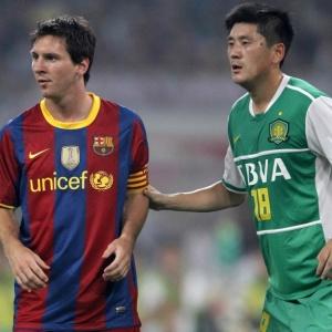 Messi participou dos primeiros 45 minutos de amistoso na China e acertou duas vezes a trave