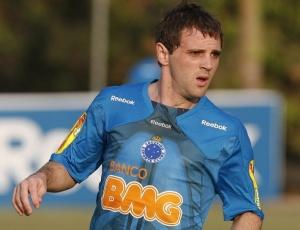 Diretoria do Cruzeiro confia que meia Montillo terá condições de enfrentar o São Paulo no domingo