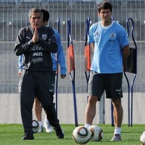 Ignacio González (dir.) disputou a Copa do Mundo de 2010, comandado pelo uruguaio Oscar Tabarez