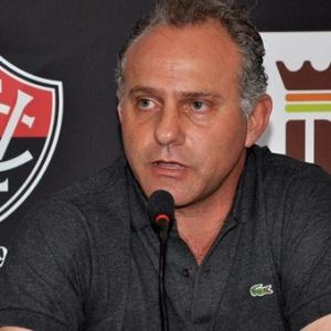 Toninho Cecílio revela que equipe ainda tem cara de Ricardo Silva e diz que busca time consistente