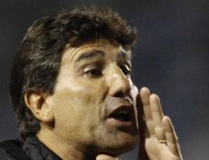 Renato Gaúcho conversou com jogadores do Grêmio durante 90 minutos antes do treinamento