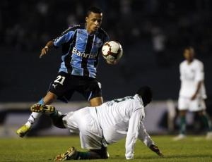 Meia Souza é o novo capitão do time do Grêmio