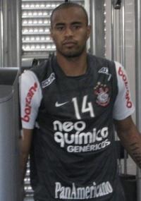 Thiago Heleno faz treino físico no Corinthians; estreia pode vir quarta